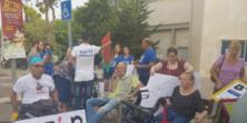 """נכים הנאבקים להעלאת הקצבאות ופעילי איכות סביבה המתנגדים לתוכנית בז""""ן התייצבו מול ביתו של שר […]"""